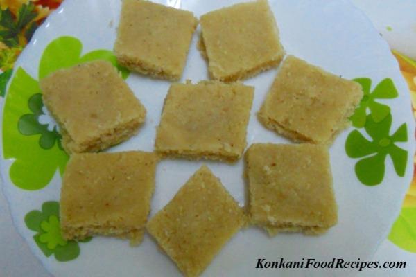 Coconut burfi (Soyi Khadi)