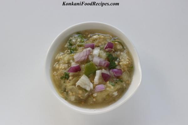 Eggplant/Brinjal Bhajji (Gulla Bajji/gojju)